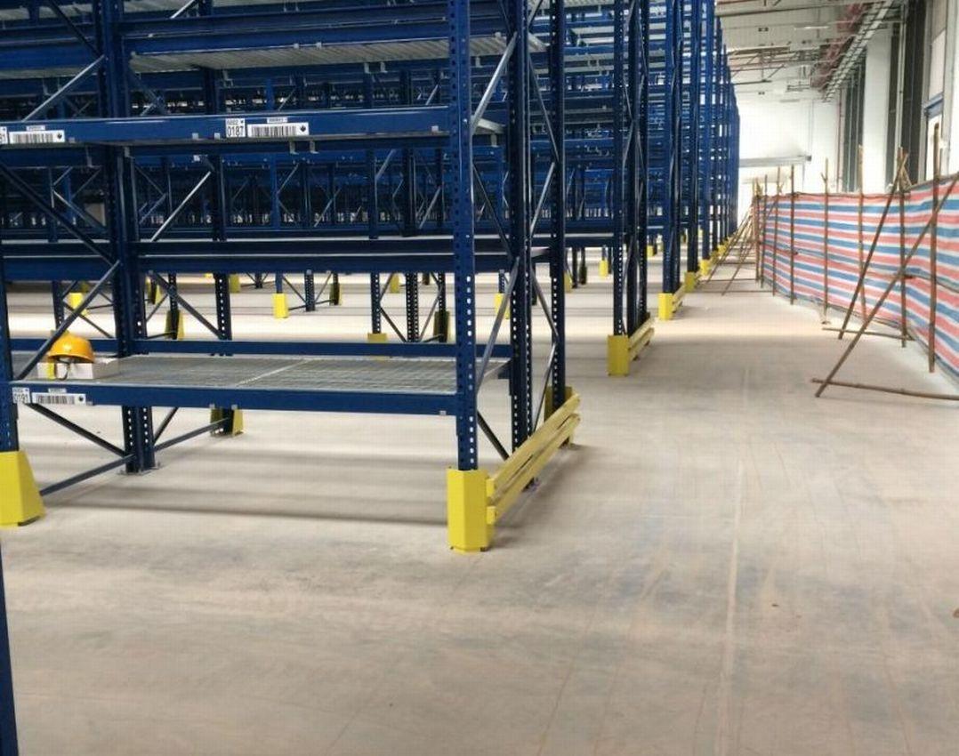 Logistics center daimler china for Mercedes benz parts distribution center